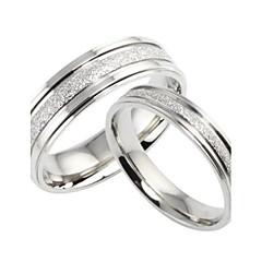 Női Páros gyűrűk Karikagyűrűk Szerelem Menyasszonyi Titanium Acél Circle Shape Ékszerek Kompatibilitás Esküvő Parti Napi Hétköznapi