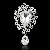 hjerte form brosje med diamant