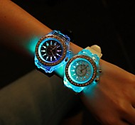 cheap -Women's Quartz Wrist Watch Silicone Band Sparkle / Fashion Black / White