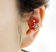 Woman's Fashion Gold Plated Beautiful Snowflake Crystal Single Ear Clip Earrings 1pc