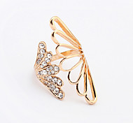 Women's New Fashion Shiny Rhinestone Exaggerated Angel Wings Band Ring