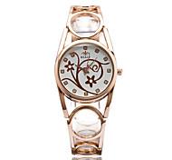 Жен. Модные часы Наручные часы Повседневные часы Кварцевый / сплав Группа На каждый день Cool Elegant Серебристый металл Золотистый