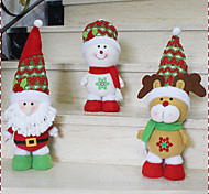 Недорогие -1шт случайных горячей продажи рождественские украшения Санта-Клауса снеговик рождественские фигурки