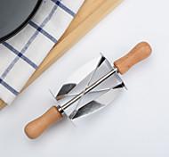 Недорогие -может пятнадцатый круассан резака лезвие из нержавеющей стали печенья ролик с пластмассовой ручкой инструмента для выпечки