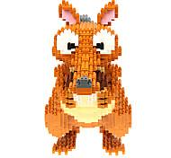 Недорогие -Конструкторы Для получения подарка Конструкторы Модели и конструкторы Белка Персонаж фильма Пластик от 14 лет серый Верблюжий Игрушки