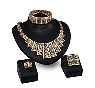 cheap -Women's Rhinestone Rhinestone Gold Plated Jewelry Set - Personalized Fashion Geometric Gold Pendant Necklace For Party Evening Party