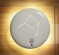 abordables -1pc Luz de noche LED Blanco Cálido Blanco Frío Pilas AAA alimentadas Decoración Sensor del cuerpo humano