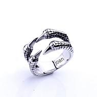 voordelige Gepersonaliseerde kledingaccessoires-gepersonaliseerde gift modieuze adelaar klauwen vormige roestvrij stalen sieraden gegraveerd mannen ring