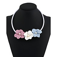 Жен. Ожерелья-бархатки Ожерелья с подвесками Заявление ожерелья В форме цветка Геометрической формы Резина Цветочный дизайн В виде