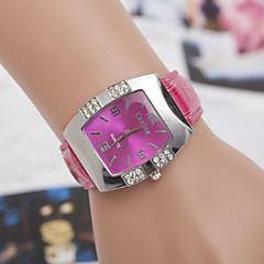 preiswerte Damenuhren-Damen Modeuhr Quartz Armbanduhren für den Alltag Leder Band Analog Elegant Schwarz / Blau / Rosa - Rot Blau Rosa Ein Jahr Batterielebensdauer / SOXEY SR626SW