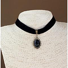 Naisten Choker-kaulakorut Gothic koruja Safiiri Gemstone Black Gemstone Flannelette Korut Käyttötarkoitus Häät Party Päivittäin