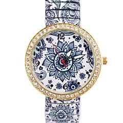 preiswerte Damenuhren-Damen Modeuhr Simulierter Diamant Uhr Quartz Imitation Diamant Legierung Band Analog Blume Mehrfarbig - 1 #