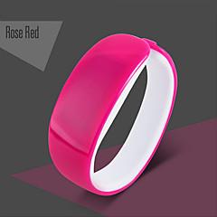 お買い得  メンズ腕時計-カップル用 デジタル スポーツウォッチ 耐水 LED PU バンド チャーム ブラック ブルー レッド ローズ