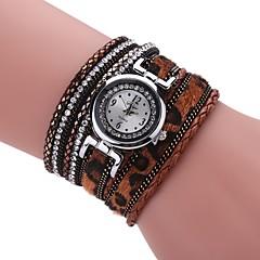 preiswerte Tolle Angebote auf Uhren-Damen Armband-Uhr Simulierter Diamant Uhr Quartz Armbanduhren für den Alltag PU Band Analog Charme Retro Freizeit Schwarz / Weiß / Blau - Braun Rot Blau