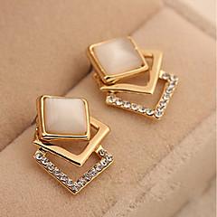 Kadın's Vidali Küpeler imitasyon Pırlanta Moda Klasik Zirkon alaşım Square Shape Mücevher Uyumluluk Günlük Sahne