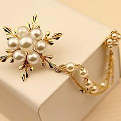 お買い得  ブローチ-女性用 ブローチ - 真珠 フラワー シンプル, エレガント ブローチ ゴールド 用途 日常 / 式典