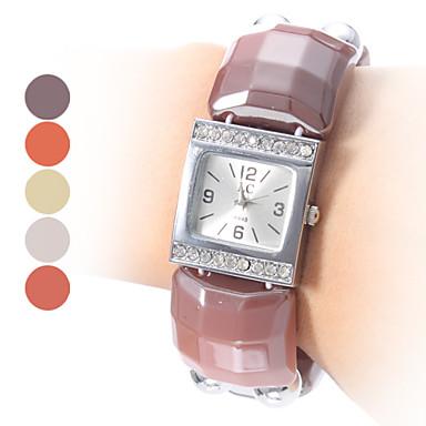 Women's Fashion Style Plastic Analog Quartz Bracelet Watch (Assorted Colors)