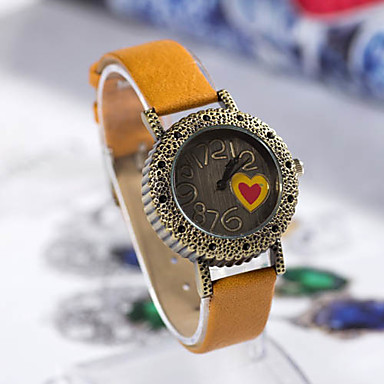 Kadın Aşk Kalp Desenli Yuvarlak Deri Quartz Analog Bilek İzle