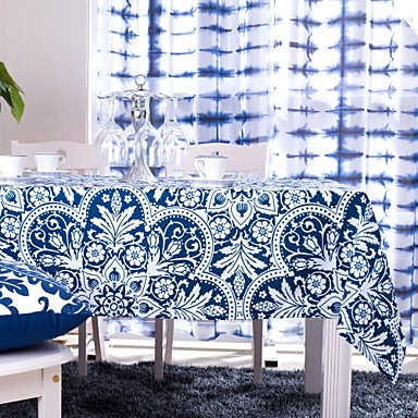 blauw gedrukt tafelkleed