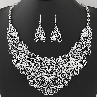Női Ékszer készlet Strassz Luxus Méretes ékszerek Divat Európai Parti Napi Hamis gyémánt 1 Nyaklánc 1 Pár fülbevaló