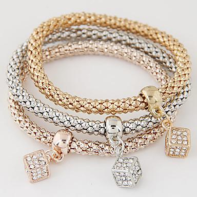 Női Hamis gyémánt Elbűvölő karkötők - Luxus Többrétegű Divat Szivárvány Karkötők Kompatibilitás Ajándék Napi