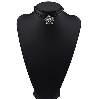 Kadın's Gerdanlıklar Mücevher Mücevher Değerli Taş alaşım Euramerican Moda Mücevher Uyumluluk Parti