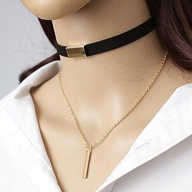 billige Mode Halskæde-Dame Kort halskæde Krave Nitte Simple Elegant Læder Legering Brun Sort Halskæder Smykker Til I-byen-tøj