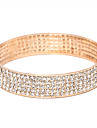 Femme Bracelets Rigides Bracelets de tennis Cristal Plaque or Imitation Diamant Alliage Bijoux Soiree Quotidien
